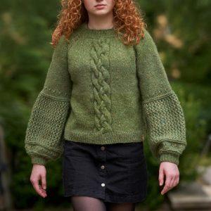 Wełniany sweter z warkoczem i ażurami JOY TO WEAR